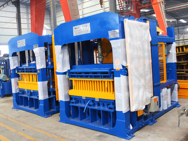 QT10-15 solid block making machine